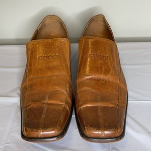 GUCCI cognac leather squared pointed toe loafer 43